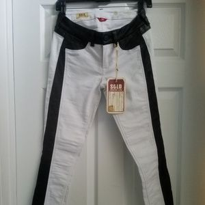Nwt sold by design blk & wht jeans